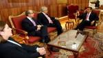 Jefe de Estado recibe a ex mandatarios de Chile y México en la Casa de Gobierno