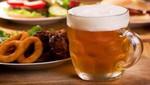 Las borracheras crean un enlace a comer en exceso