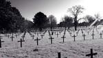 Estudiante capta fantasma en un cementerio de guerra alemán [FOTOS]