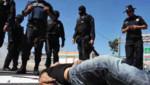 Emboscan y asesinan a 12 policías al sur de México