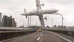 Avión de TransAsia Airways se estrelló en el río Keelung en Taipei [VIDEO]