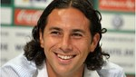 En Bremen aseguran que Pizarro no se irá del club