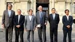 Jefe de Estado señaló que reunión con Frente Amplio 'Ha sido constructiva'