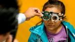 Proteja sus ojos de infecciones y dolencias oculares durante el verano teniendo hábitos saludables