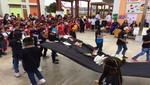 Más de 9,000 estudiantes de Pisco reciben materiales para refuerzo escolar