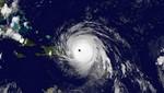 Devastador huracán Irma sobre las Bahamas y está en un curso de colisión con Florida