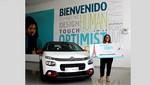 Citroën entrega premio de un pasaje doble a París