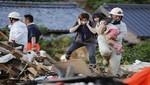 Japón: Rescatistas tratan de encontrar sobrevivientes después de que las inundaciones matarán al menos 114
