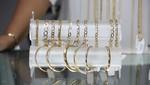 Caja Metropolitana realiza exposición y venta de joyas de oro por Fiestas Patrias
