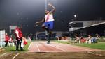 José Luis Mandros sale campeón de salto largo en Copa Nacional