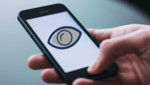 Según un informe, aplicaciones de vigilancia se están instalando en secreto en los teléfonos de los visitantes a China