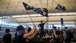 El aeropuerto de Hong Kong suspende el check-in debido a una protesta a favor de la democracia