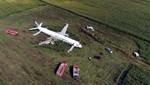 Rusia: un avión aterriza de emergencia en un campo de maíz