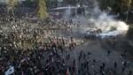 Chile: Policía arrestada luego de disparar a estudiantes en protestas