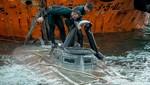 España recupera tres toneladas de cocaína de un 'Narco submarino' capturado
