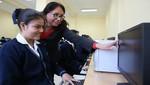 Ofrecen 100 mil becas para estudiantes que culminan la educación