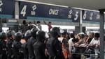 Disturbios en la estación Once de tren en Argentina