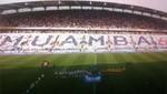Hinchas del Bolton le rinden homenaje al jugador Fabrice Muamba