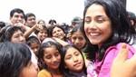 Nadine Heredia comparte chocolatada con niños de Jicamarca