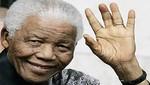 Nelson Mandela fue hospitalizado de emergencia por dolores abdominales
