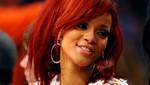 Rihanna celebra acción de gracias con su equipo