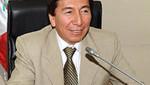 Hildebrando Tapia defiende derechos de migrantes peruanos en Bruselas