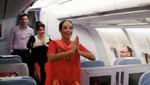 Tripulación de aerolínea realizó baile hindú