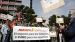 Pilotos de aerolínea Iberia convocan huelga todos los lunes y viernes durante cuatro meses