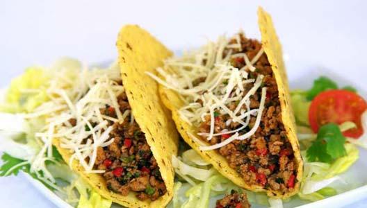 Tacos mexicanos y empanadas chilenas