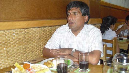 Pancho Huanacune en la mesa