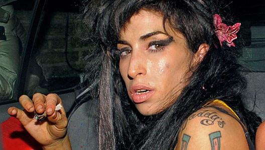 Amy Winehouse en rehabilitación otra vez