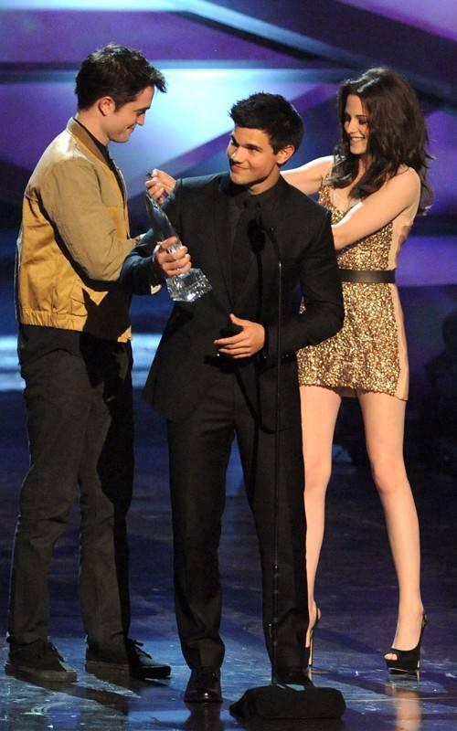 Robert Pattinson Kristen Stewart Y Taylor Lautner Se Presentaron En
