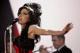 Amy Winehouse sorprendió con una actuación improvisada en Londres