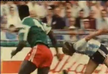 Sorpresa en Mundial Italia 1990: Camerún vence Argentina (1 - 0)
