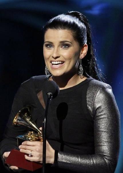 Grammy Latino 2010: Nelly Furtado gana Mejor Album Vocal Pop Femenino