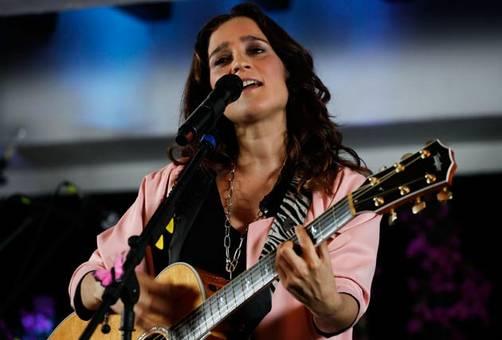 Grammy Latino 2010: Julieta Venegas 'Mejor Video Musical Versión Corta'