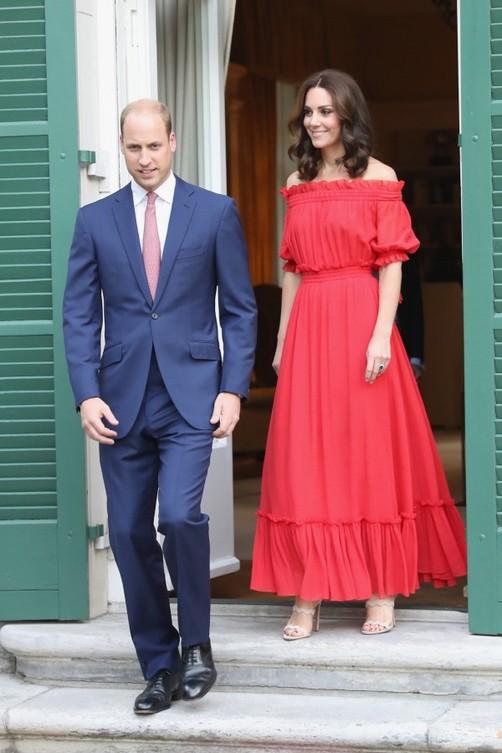 Kate Middleton en rouge: tout simplement parfait