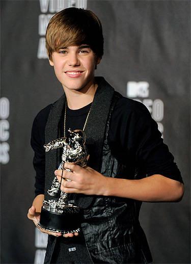 Justin Bieber decepciona a sus fans en los MTV VMA's por su playback