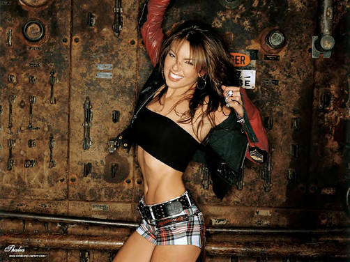 Thalía lanza dos sencillos en simultáneo
