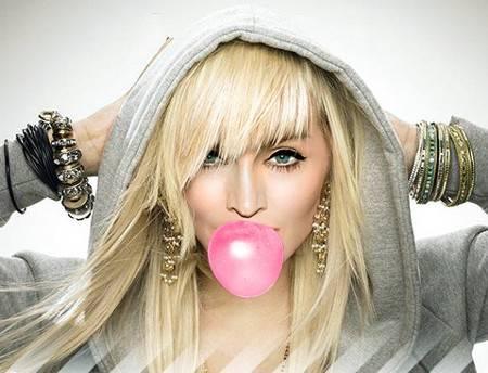 Madonna con excesivas cirugías