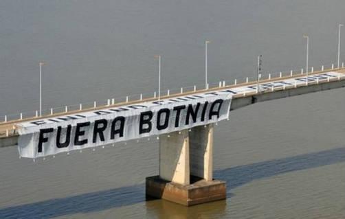 Los ambientalistas de nuevo en la brega: bloquean frontera entre Argentina y Uruguay