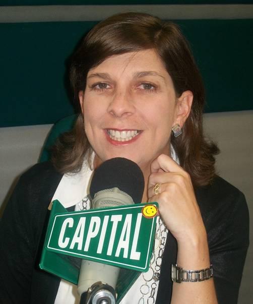 Rosa Maria Palacios dona aretes de plata para la campaña 'A todo pulmón'