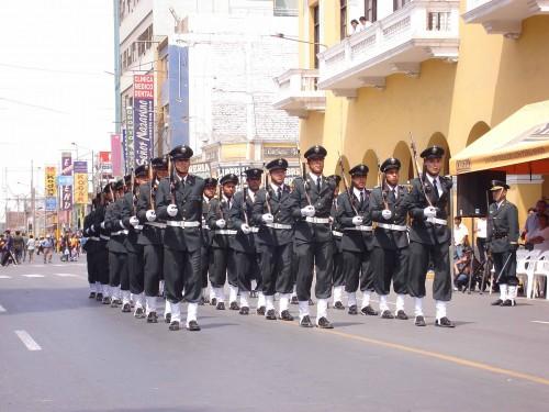 con nuestra policia nacional del peru despues del mensaje del