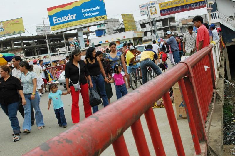 En la frontera Perú - Ecuador no hay auoridades que pongan orden