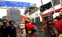 Un voraz incendio se produjo en la cuadra nueve de la Avenida Abancay en pleno centro de Lima