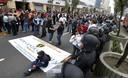 Trabajadores del INPE realizan protestas en el centro de Lima