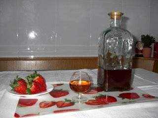 Aguardiente de fresas