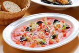 Carpaccio de atún con tomate